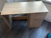 Office desk in very good condition like new
