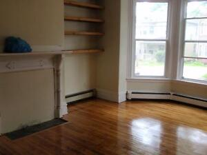 Central Halifax uper Flat-hardwood great location