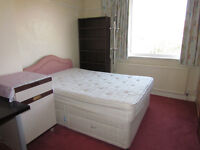 EXTRA LARGE DOUBLE ROOM TO RENT HIGH BARNET TUBE STATION