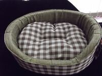 """NEW brown checked dog/cat bed , 20"""""""