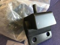Triumph spitfire mk4 engine mounts