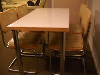 Nice dining table & chairs