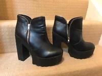 Short platform boots size 8