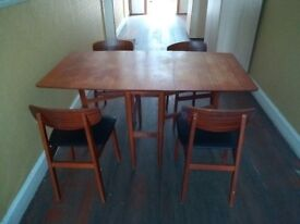 Dining table (foldable) with 4 chairs