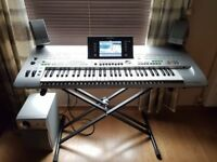 TYROS 3 Digital Workstation - 61 Key Arranger Keyboard