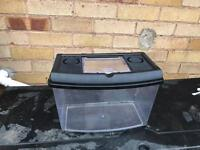 Plastic fish tank and airpump