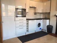 Converted 1st Floor 2 Double Bed Flat Open KitchenDiningSitting BathShower VeryNearTubeBusShopsPark