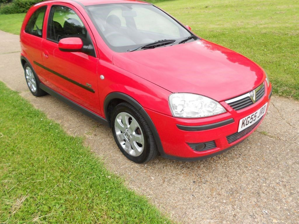 vauxhall corsa sxi plus 16v twinport red 2005 in hemel hempstead hertfordshire gumtree. Black Bedroom Furniture Sets. Home Design Ideas