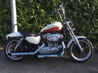 Harley Davidson 2011 superlow 883 sportster