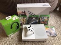 Xbox One S 500GB bundle