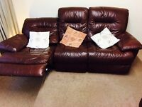 Harvey's leather sofa 3 seater electric recliner &1 seater manual recline for £250