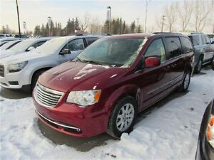 2015 Chrysler Town & Country Touring Dual DVD Stow N Go