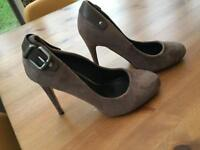 Shoes Size 5 (38) Suede Beige/ Brown / Fawn