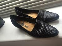 Vintage shoes size 4.5