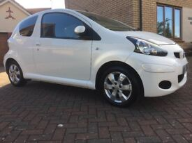 Toyota Aygo 1.0 VVT-i GO 3dr. Excellent condition, low Mileage, MoT until May 19, 3 Mth Warranty
