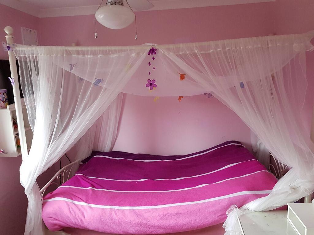Princess butterfly bed (4 poster)