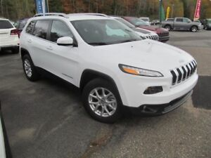 2016 Jeep Cherokee North 4x4-Demo Sale-Save!