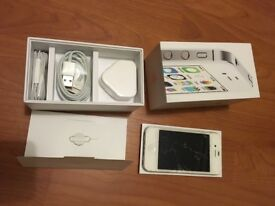 Apple iPhone 4S 8GB WHITE with box - cable, plug & earphones SPARE OR REPAIR