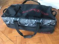 DA KINE travel suitcase