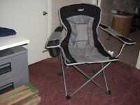 Gelert, Albury Executive Chair with drinks holder & carry case as NEW