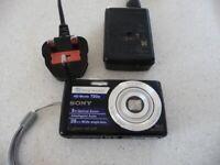 SONY CYBERSHOT DSC-W620 14.1MG. DIGITAL CAMERA.