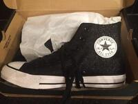 Converse all stars size 6 girls