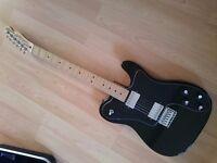 Telecaster 72 Custom Squire Guitar and Case Maple Neck
