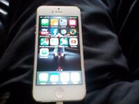 I phone 5 white with charger mint condition open on EE giffgaff Vodafone phone