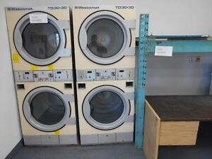 STACKED INDUSTRIAL DRYERS / SECHEUSES INDUSTRIEL SUPERPOSEE