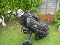 MACGREGOR GOLF CLUBS IN POWAKADDY BAG & TROLLEY MENS RIGHT HAND