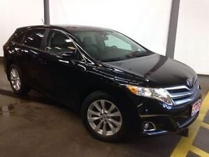2013 Toyota Venza AWD - ONE OWNER, LOW KMS !!