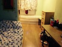 Twin bed to let in roomshare with Spanish boy in flatshare at Hoxton & Bethnal Green