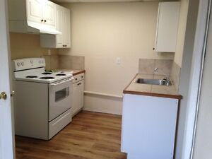 2 Bedroom Suite in great neighborhood for October 1st