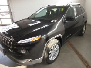 2016 Jeep Cherokee North- 4x4! BACK-UP CAM! ALLOYS! HEATED SEATS