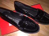 Deep 7 shoes