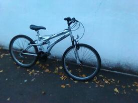 """Dunlop medium size mountan bike bicycle 18 speed """"24 wheels"""