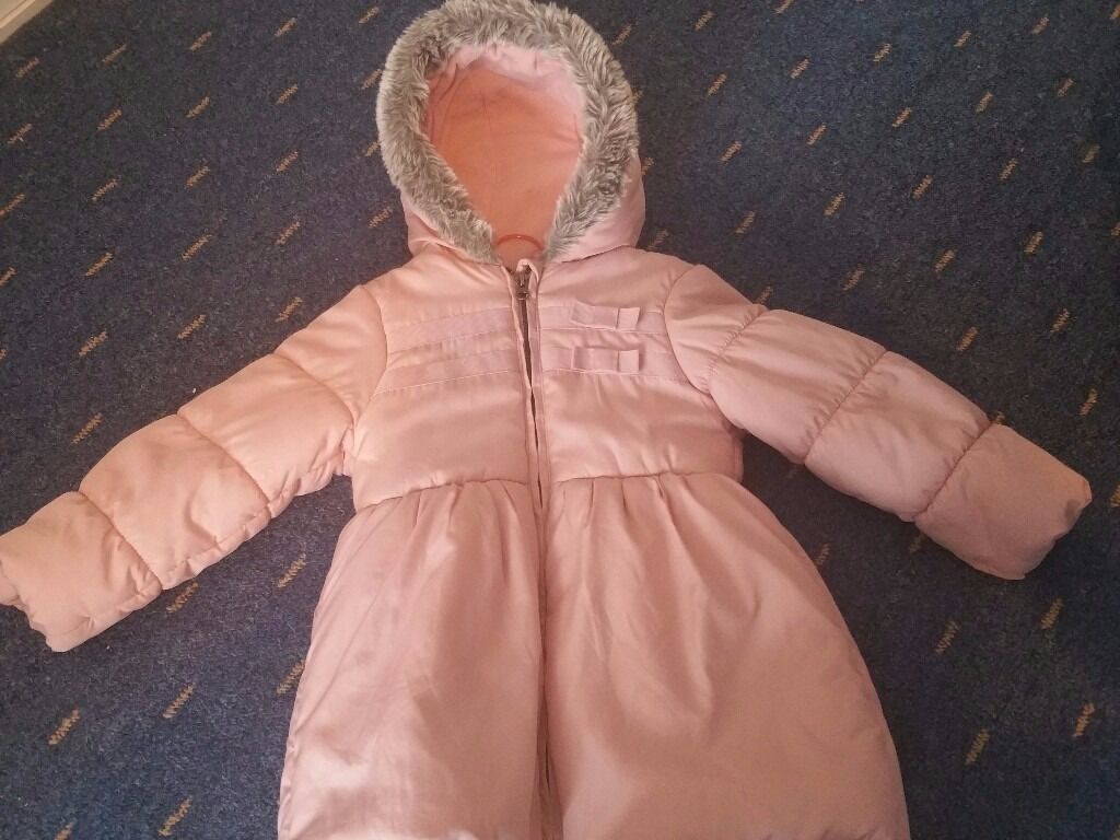 2 Girls winter jackets 4 5 years for10in Redbridge, LondonGumtree - Im selling 2 Girls winter jackets in a excellent condition. I bought them on Debenhams, Im selling both for £10 each £5 size 4 5 years. just pick up at ilford