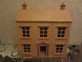 CHILDS DOLLS HOUSE IN EXCELLENT LITTLE USED CONDITION WITH BOX FULL OF FURNITURE / TOYS