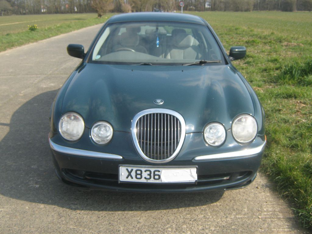 jaguar s type v6 3 0 british racing green with manual gear box in worthing west sussex gumtree. Black Bedroom Furniture Sets. Home Design Ideas