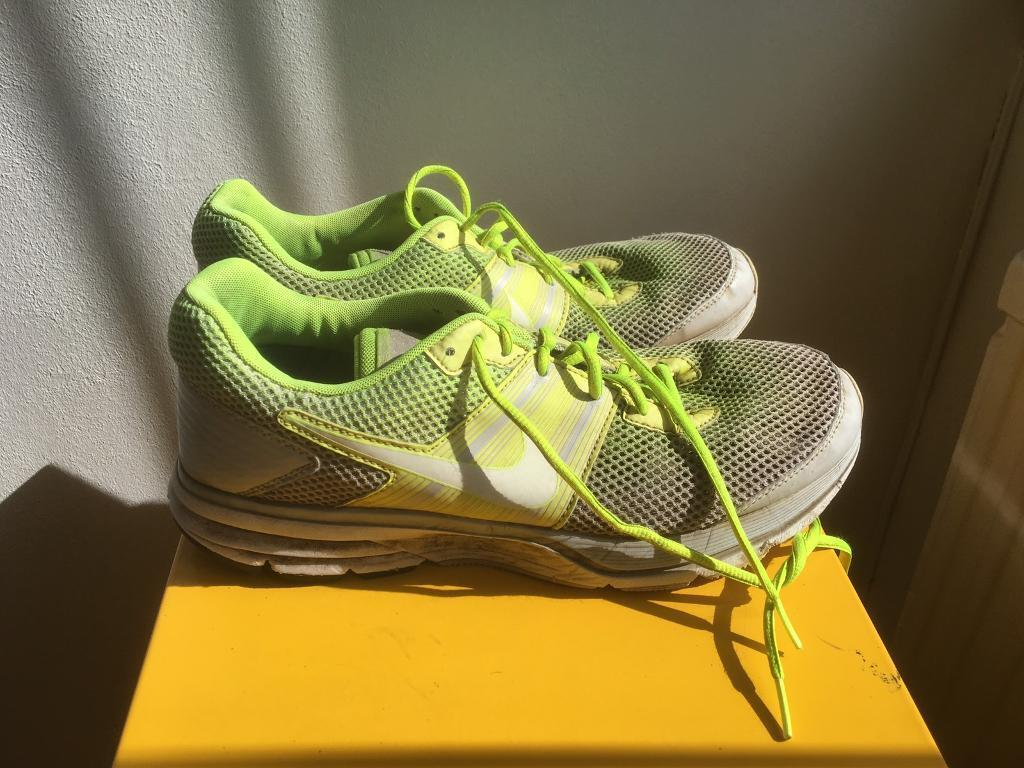 Nike Pegasus Model 29. UK sz9. Yellow/White colourin Dartford, KentGumtree - Nice pair of trainers for running or any other activity. Trainers can be picked up from DA4 9BE or can be delivered to Dartford