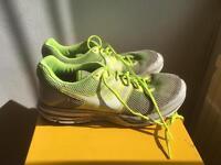 Nike Pegasus Model 29. UK sz9. Yellow/White colour