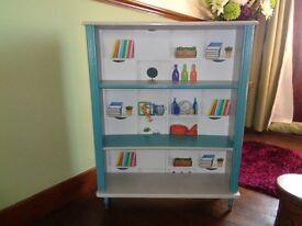 Shelf unit/book case