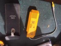 Car refrigerant leak detector