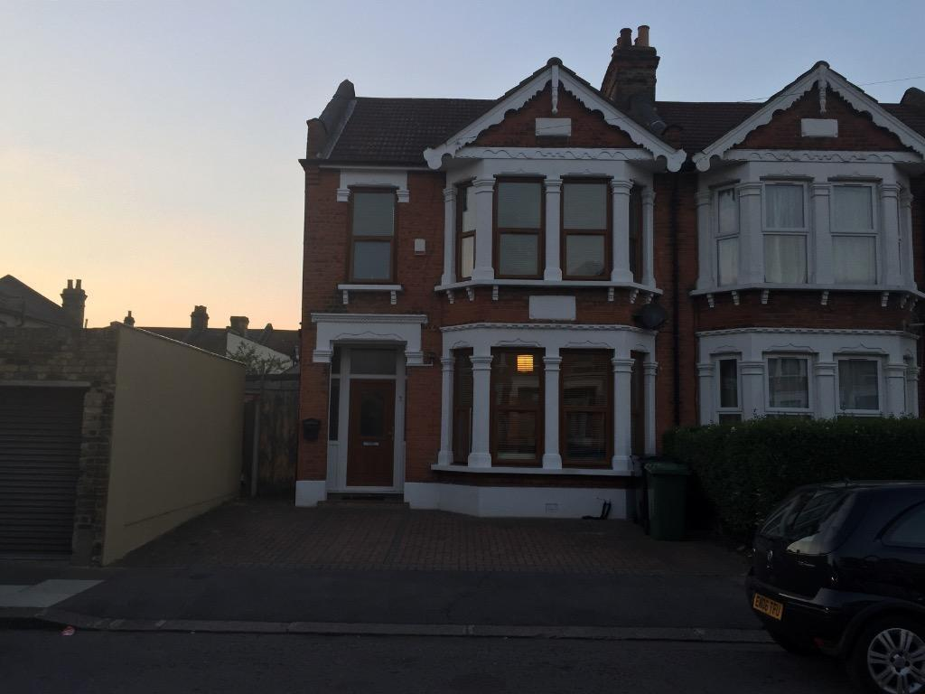 bedroom house for rent in ilford london gumtree
