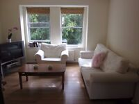 Modern 3 Double Bedroom Flat to rent on Surbiton River Road – available furnished or unfurnishe