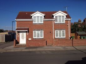 Lovely 2 Bed Detached House To Let