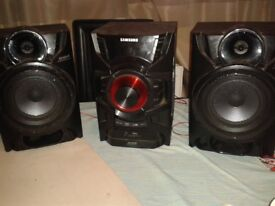 250 watt Cd and bluetooth player