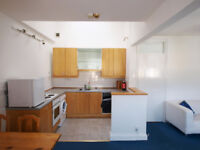 Large 2 double bedroom flat located close to Finsbury Park Station and Stroud Green High Street