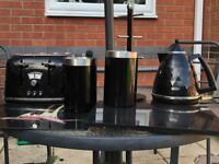 Kettle, toaster kitchen set