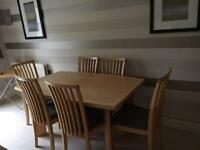 Table in maple (extending) plus 6 chairs